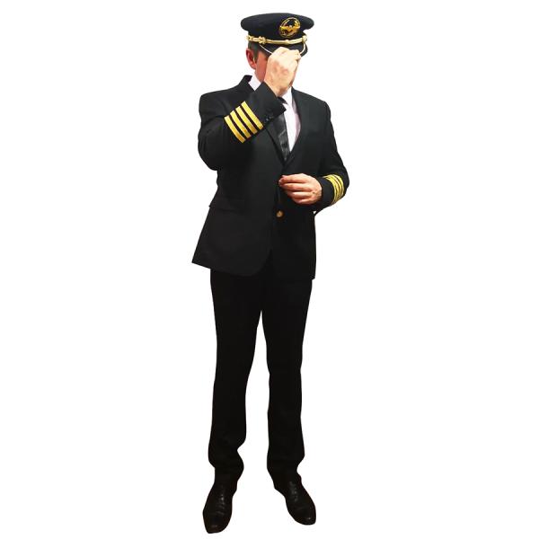 Traje de piloto y gorra